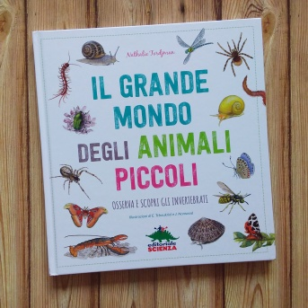 Il grande mondo degli animali piccoli copertina